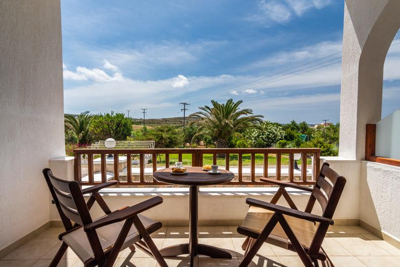 Milos Konstantinos Triple Room with Garden View | Rooms in Milos | Balcony