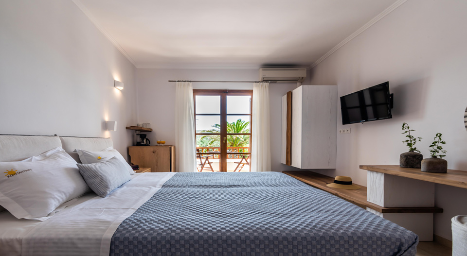 Milos Konstantinos Triple Room with Garden View | Rooms in Milos | Double Bed